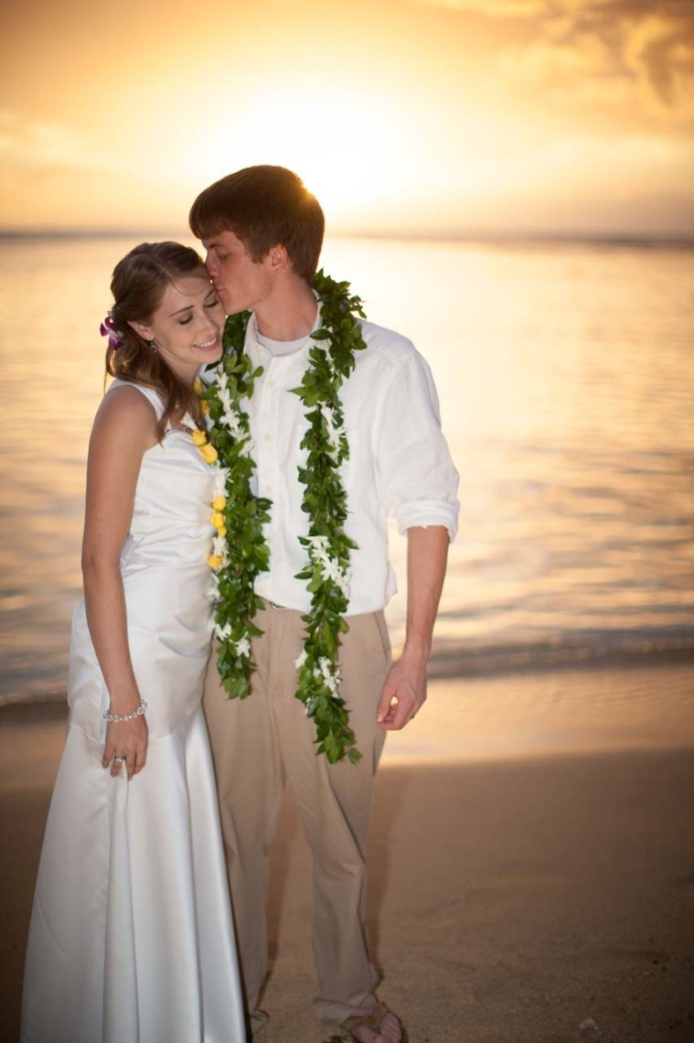 waikiki_sunset_wedding-853x1280